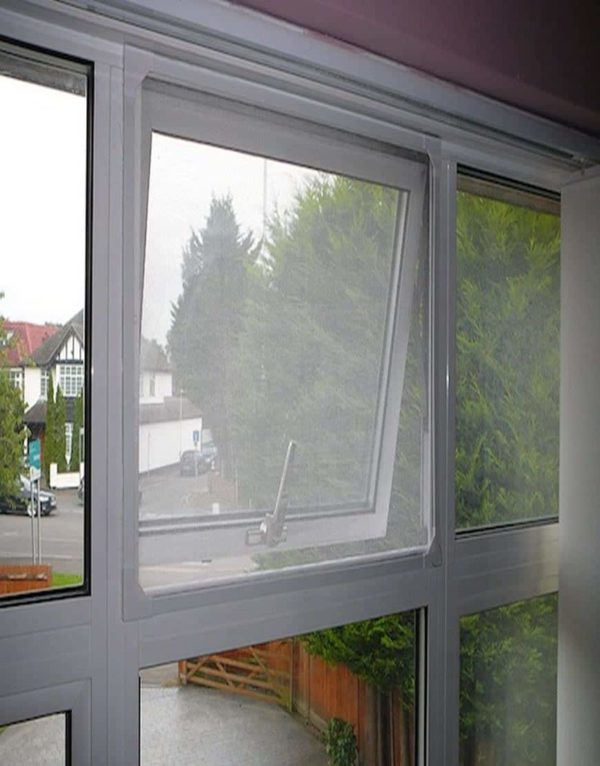 magnetic flyscreen for house windows 1
